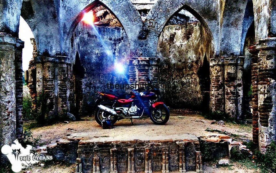 Bajaj Pulsar 220 – The Fastest Indian