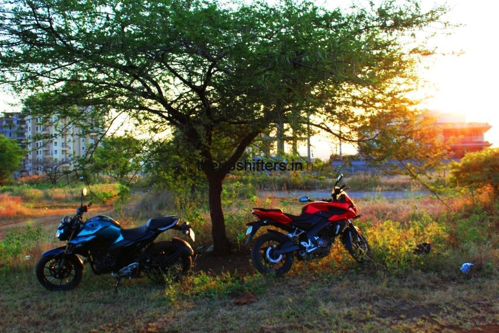 Yamaha FZ 25 Vs Bajaj Pulsar AS 200
